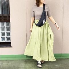 休日コーデ/ママコーデ/今日のコーデ/ファッション/プチプラコーデ 若草色が綺麗なマキシスカートを主役に組ん…