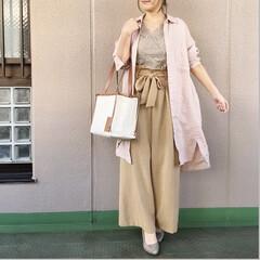 ファッション/ママコーデ/今日のコーデ/通勤コーデ/プチプラコーデ レースキャミとハイウエストパンツの上に羽…