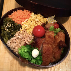 わっぱ弁当/ミートボール カラフル四色丼風のわっぱ弁当🍱  クリス…