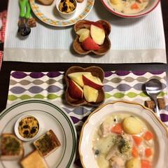 バジルトースト/ホームベーカリー/りんご/シチュー/ごはん 今日はシチューだ〜^_^ 今日作ったかぼ…