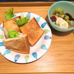 ごはん 久々に朝食にポケットサンドを作り、 お昼…(2枚目)