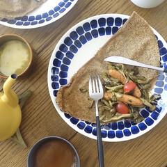 Arabia アラビア 24h Tuokio トゥオキオ プレート 26cm コバルトブルー | 24h トゥオキオ(皿)を使ったクチコミ「ピカールのガレットで朝ごはん きのことウ…」(1枚目)