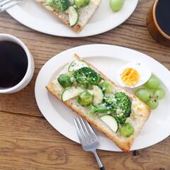 SAKUZAN Sara オーバル ライトブルー 19875(その他キッチン、日用品、文具)を使ったクチコミ「芽キャベツとズッキーニ、ブロッコリー 緑…」