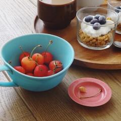 季節のフルーツ/サクランボ/さくらんぼ/果物/キッチン雑貨/おうちごはん/... 毎年楽しみなさくらんぼの季節🍒 みずみず…(1枚目)