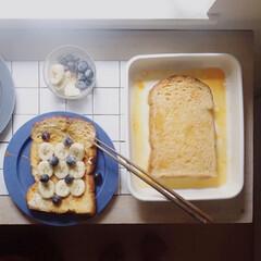 野田琺瑯 ほうろうバット 21取 ホワイト | 野田琺瑯(バット)を使ったクチコミ「今日はフレンチトースト バナナとブルーベ…」