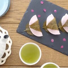 リミアな暮らし/季節イベント/桜餅/LIMIAFESTA/キッチン雑貨/暮らし 母と桜餅を食べました。 公園でひらひら舞…