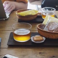 アミューズ・ブッシュ ボデガ 7.10860(皿)を使ったクチコミ「コメダ珈琲のオープン記念でもらったお菓子…」