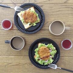 食器 波佐見焼 ハサミポーセリン マグカップ HP020 size:M ナチュラル HASAMIPORCELAIN 15281 | HASAMI(マグカップ)を使ったクチコミ「トーストにコロッケを乗っけて朝ごはん ス…」