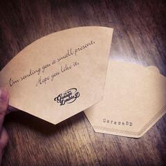 ハンドメイド/文具/メッセージカード/コーヒーフィルター/木造倉庫/ガレージ/... コーヒーフィルターでメッセージカードを作…