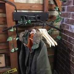 レンガ/コートハンガー/DIY/カフェ風/木造倉庫/バイクガレージ/... コートハンガーもバイクのハンドルとステム…