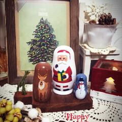 クリスマス雑貨/棚/3COINS 今年の新しい仲間 スリコのサンタ・マト…