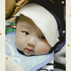 帽子/ママ/男の子ママ/子育て/育児/生後4ヶ月/... 帽子被せてみました💙