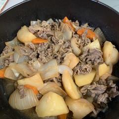 ついついポチッと/六花亭のお菓子お取り寄せ/無水肉じゃが/ストウブ鍋 無水肉じゃが💕 ストウブ鍋で作ってみまし…