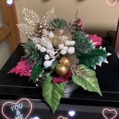 クリスマス風フラワーアレンジ クリスマス風フラワーアレンジ💕 昨日買っ…