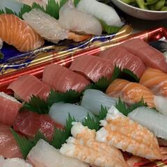 にぎり寿司/夕食にお寿司/手作りラティス 花壇のラティス追加💕 以前からあった手作…(3枚目)