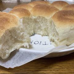 ちぎりパン/初ストウブ鍋パン ストウブ鍋でちぎりパン💕 今日はお休みな…(2枚目)