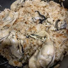 カフェスイーツ/牡蠣ごはん/食事情 牡蠣ごはん💕 牡蠣はさっと煮てから、後の…