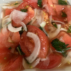 トマトのマリネ/冷凍バジル/べんりで酢 トマトのマリネ💕 背番号7さんのが美味し…