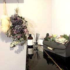 マーチソンヒューム エフォートレス フロアースプラッシュ Murchison Hume フロア用洗剤 ボトル おしゃれ アロマ ホワイトグレープフルーツ 香り(フロア用洗剤)を使ったクチコミ「ピアノの上は飾り棚代わり♡♡」