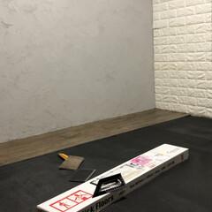 フローリング材/BRYWAX ジャコビアン/壁グレー/天井黒/和室から洋室/レンガシート/... (2枚目)