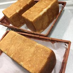 ピザトースト/食パン/手作りパン 今朝はオーブンで食パン3本焼き🍞🍞 最近…