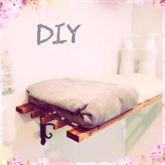 バスタオル収納/DIY/100均 初DIY。 場所は脱衣所です。 いただい…
