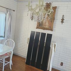 海外風インテリア/油性塗料/DIYクリエイター/玄関リフォーム/玄関ドア/フォロー大歓迎/... ♡ ・ この、黒い板は何でしょーか? ・…