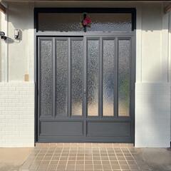 アサヒペン - 水性多用途カラー - 0.7L - ツヤ消し黒 | アサヒペン(ペンキ、塗料)を使ったクチコミ「🥀 ・ 年内 (diy) diy 玄関ド…」