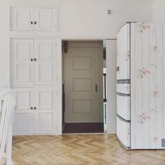 令和元年フォト投稿キャンペーン/令和の一枚/フォロー大歓迎/LIMIAファンクラブ/LIMIAインテリア部/キッチン/... 🍅 ・ #冷蔵庫リメイク 途中画像。 ・…