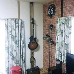 2×4/ブライワックス/ギター/壁掛け/DIY/ディアウォール/... 久々にディアウォールで突っ張りました(^…