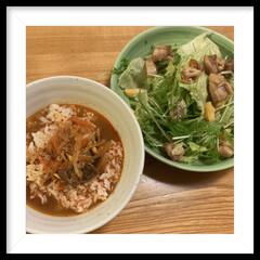 ダイエット/夕飯/サラダ クッパとチキンサラダでダイエット… でき…