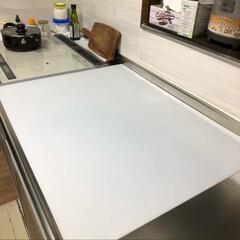 調理台 保護シート シリコンマット キッチン 60×75cm 耐熱 大判 大きい 半透明 ベルカ SM-7560N   Belca(シンクマット)を使ったクチコミ「傷付かないし滑らんし、でっかいまな板みた…」(1枚目)