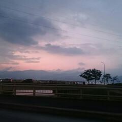天気/雨雲/夕焼け/雨季ウキフォト投稿キャンペーン/おすすめアイテム/フォロー大歓迎/... 雨が強く降ったり晴れたり変な天気ですね😓…