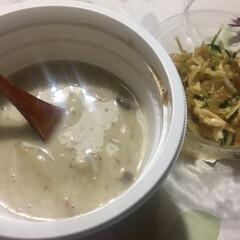 セブンイレブン/スープ/きのこ/夜食/ザーサイ 仕事終わりの、セブンご飯。 深夜なので、…(1枚目)