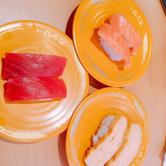 🍘/愛乃ももか🦄👧💕/スシロー 今日の昼ご飯は、スシロー🍣!やっぱり、回…