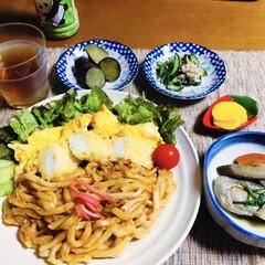 鮭とば/我が家の夕食/イカ天/焼きうどん/おうちごはん/うちの定番料理 🍚我が家の夕食🥢 焼きうどん。 イカ天🦑…