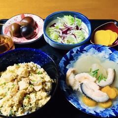 鮭レシピ/帆立貝焼き味噌/我が家の夕食 🍚我が家の夕食🥢 帆立貝焼き味噌丼。 鮭…