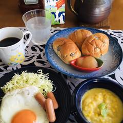 いなば 食塩無添加コーン3缶(缶詰)を使ったクチコミ「🥖我が家の朝ごパン☕️ レーズン入パン。…」(1枚目)