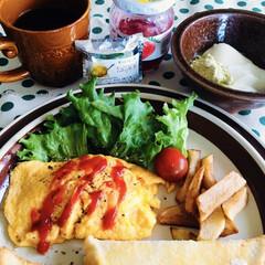 オムレツ/クリスマス2019/リミアの冬暮らし/フォロー大歓迎 🍞我が家の朝ゴパン🥄 トースト。 オムレ…