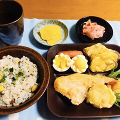 芋天/鮭カマ/干し芋炊き込みご飯/我が家の夕食 🍚我が家の夕食🥢 干し芋炊き込みご飯🍠 …
