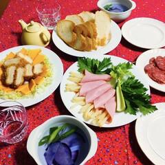 LIMIAベスト収納2019/リミアの冬暮らし/フォロー大歓迎/クリスマス2019 🥖我が家の夕食🥢 バケット。 チーズ入り…