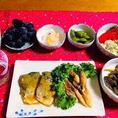 ケール/ぶどう/ミョウガの田楽/鯖の味噌煮/ご飯/朱色/... 🍚我が家の夕食🥢 鯖の味噌煮。 ミョウガ…