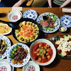 ローストビーフ/豆腐サラダ/地元食材/テイクアウトグルメ/フライドポテト/ステーキ/... 🥘我が家の夕食🍴 一口ステーキ。 ロース…