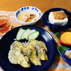 ランチョンマット/我が家のテーブル/セリア/100均/フォロー大歓迎 🍚我が家の夕食🥢 さつま芋天ぷら。 きゅ…