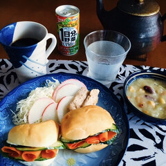 伊藤園 1日分の野菜 190g 1箱 野菜ジュース(野菜ジュース)を使ったクチコミ「🥪我が家の朝ゴパン🥄 人参サンド🥕 野菜…」