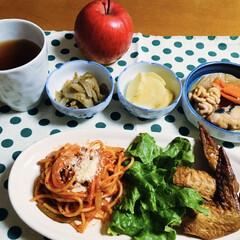 ナポリタン/手羽先/鱈鍋/我が家の夕食 🍝我が家の夕食🥢 ナポリタン。 手羽先。…