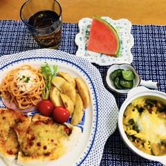 スイカ/フライドポテト/ナポリタン/かぼちゃグラタン/サラミピザ/我が家の夕食/... 🍝我が家の夕食🍴 サラミピザ。 フライド…