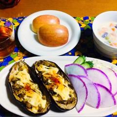 チーズケーキ/豆と根菜ポタージュ/米茄子/リミアの冬暮らし/フォロー大歓迎 🍚我が家の夕食🥢 米茄子のマヨ焼き🍆 紫…