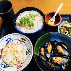 チャーハン/フォー/ベトナム料理/ムール貝/我が家の夕食/おうちごはん 🍚我が家の夕食🥢 チャーハン。 ムール貝…