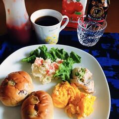 コーヒー豆/食器/カトラリー/キッチン雑貨/食卓/キッチンアイテム/... 🥖我が家の朝ごパン☕️ レーズンロール。…(1枚目)